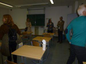 Die Räume wurden besichtigt und über Unterrichtsgestaltung diskutiert